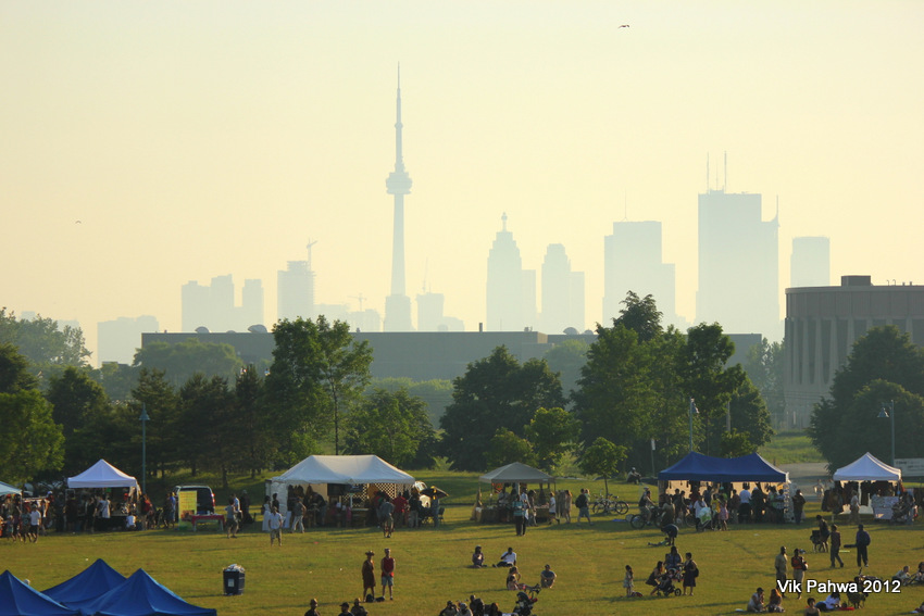 photo 20120612 the smoggy toronto skyline as backdrop to. Black Bedroom Furniture Sets. Home Design Ideas