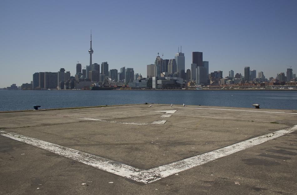 Photo 20130430. The Toronto skyline frames an unused heli-pad on ...
