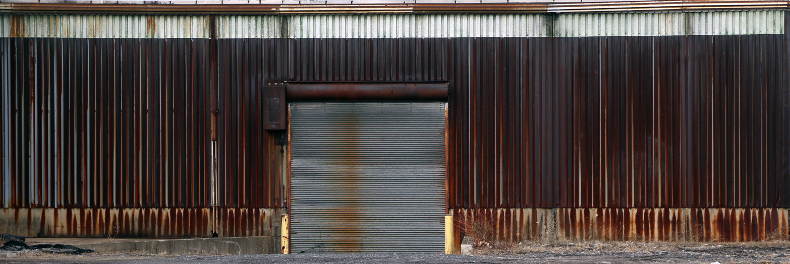 20140411. A remarkably rusty shed. 500 Smith St, Buffalo. Minimal aesthetic #30.