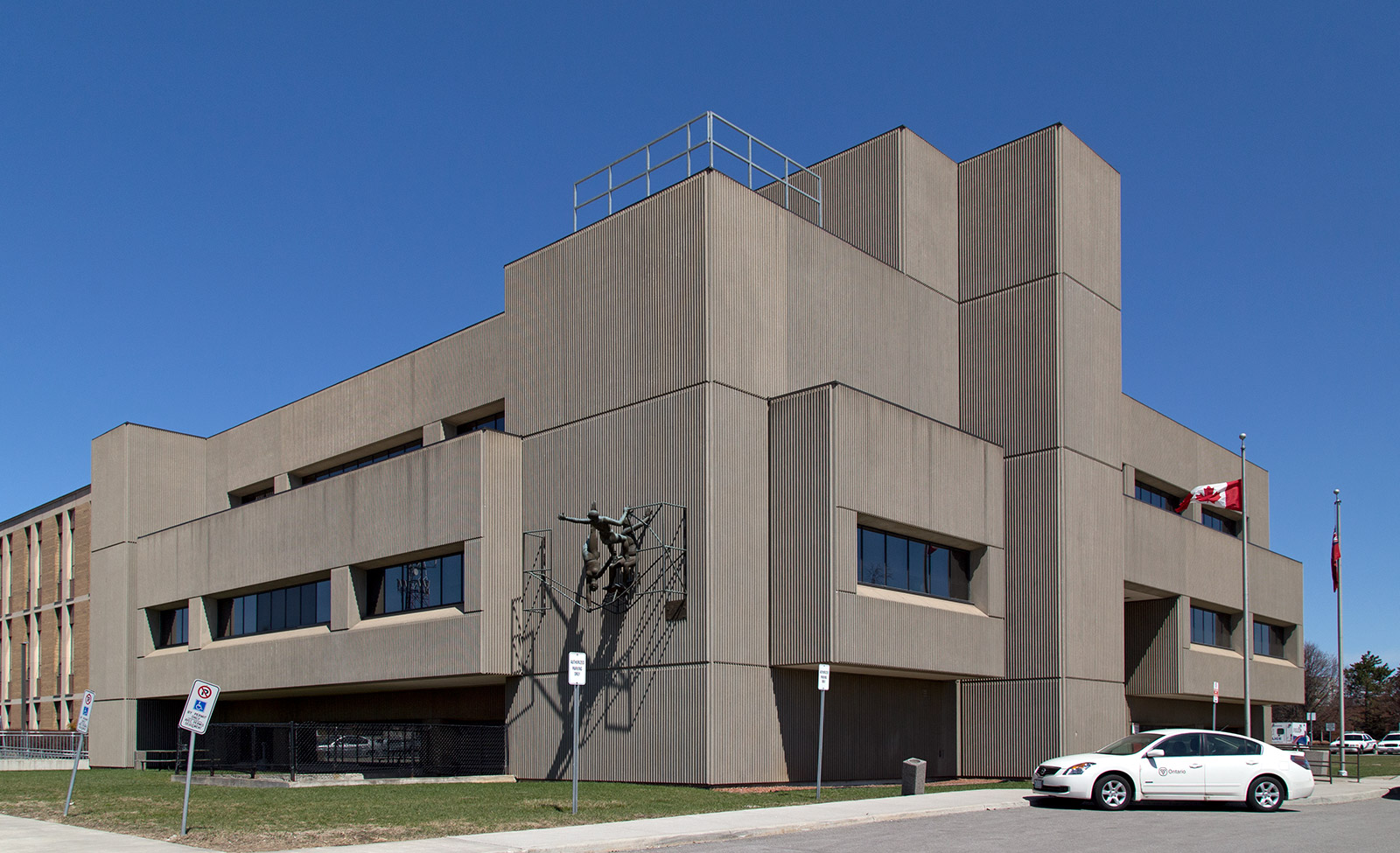 20140426. The Ontario Ministry of the Attorney General's Brutalist Milton Courthouse.
