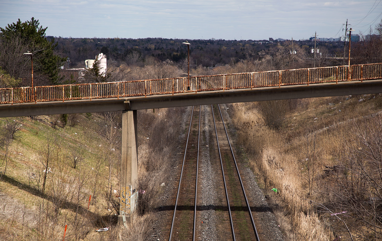 20140502. A side view of rusty, abandoned pedestrian overpass in Thornhill.
