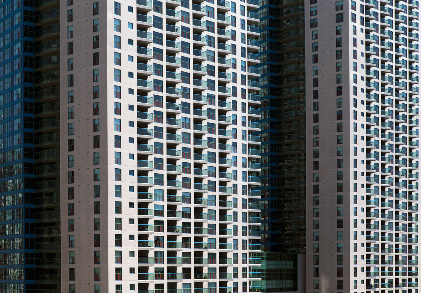20140611. How many balconies are there at 99 and 77 Harbour Square (Toronto)?