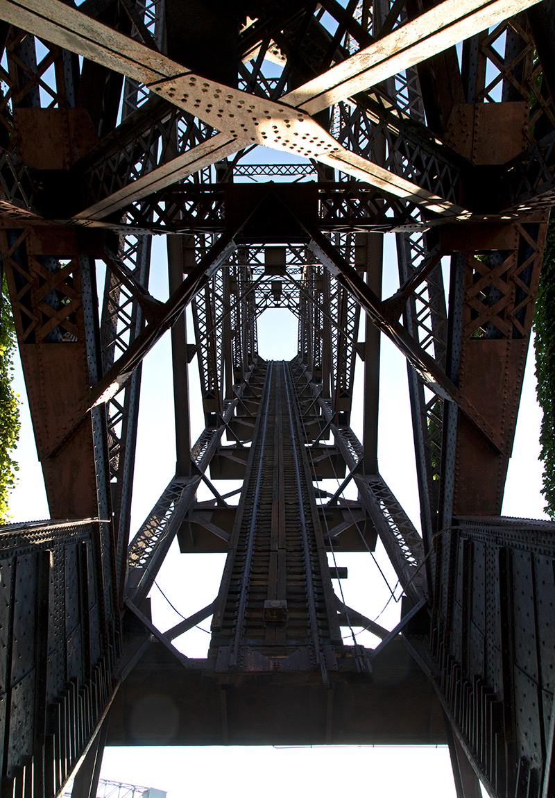 20140808. Looking UP at the 1907 B&O Railroad Bridge No.464 - a single-leaf rolling lift bridge.