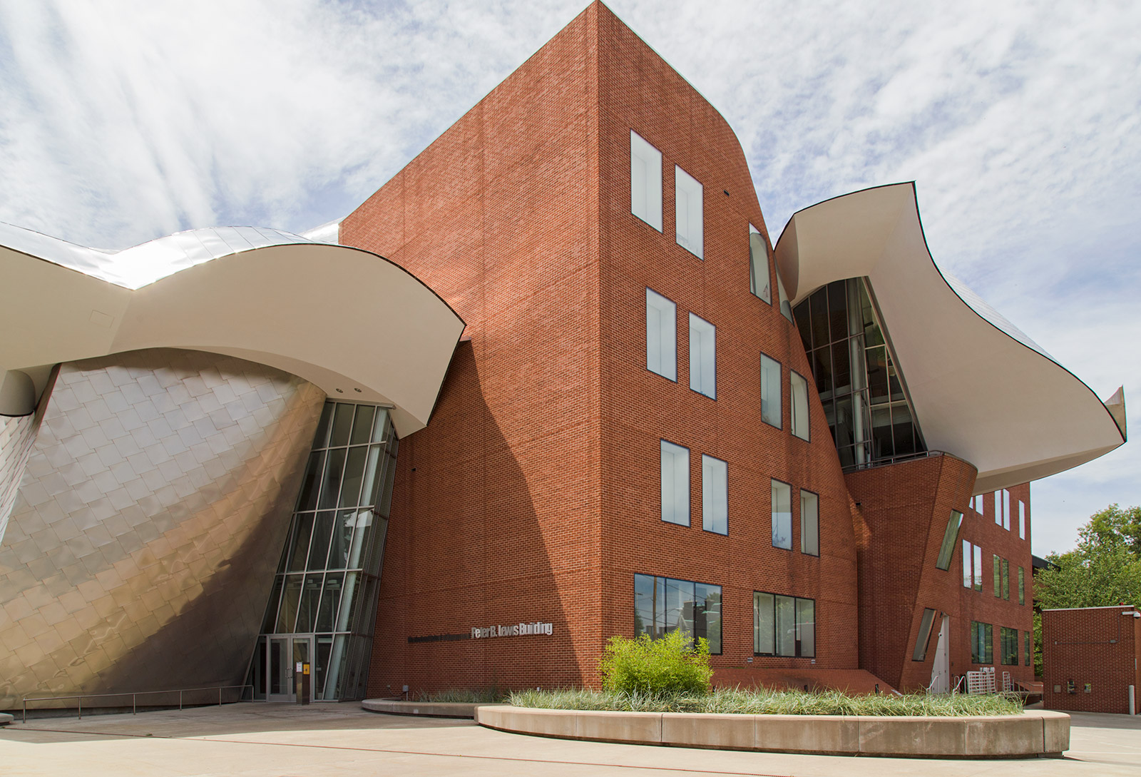 20140812. The deconstructivist architecture of the Frank Gehry-d
