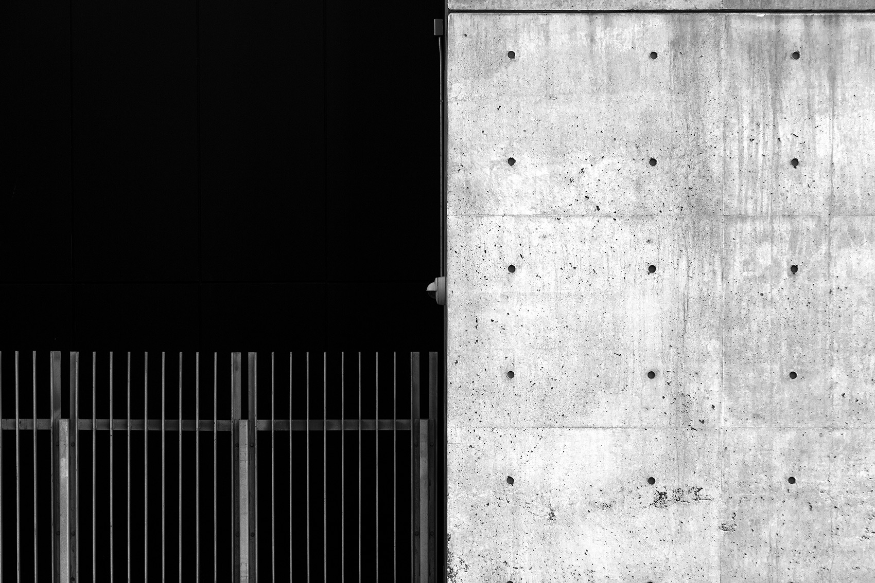 20141015. Concrete wall meets metal fence and void. Minimal Aest