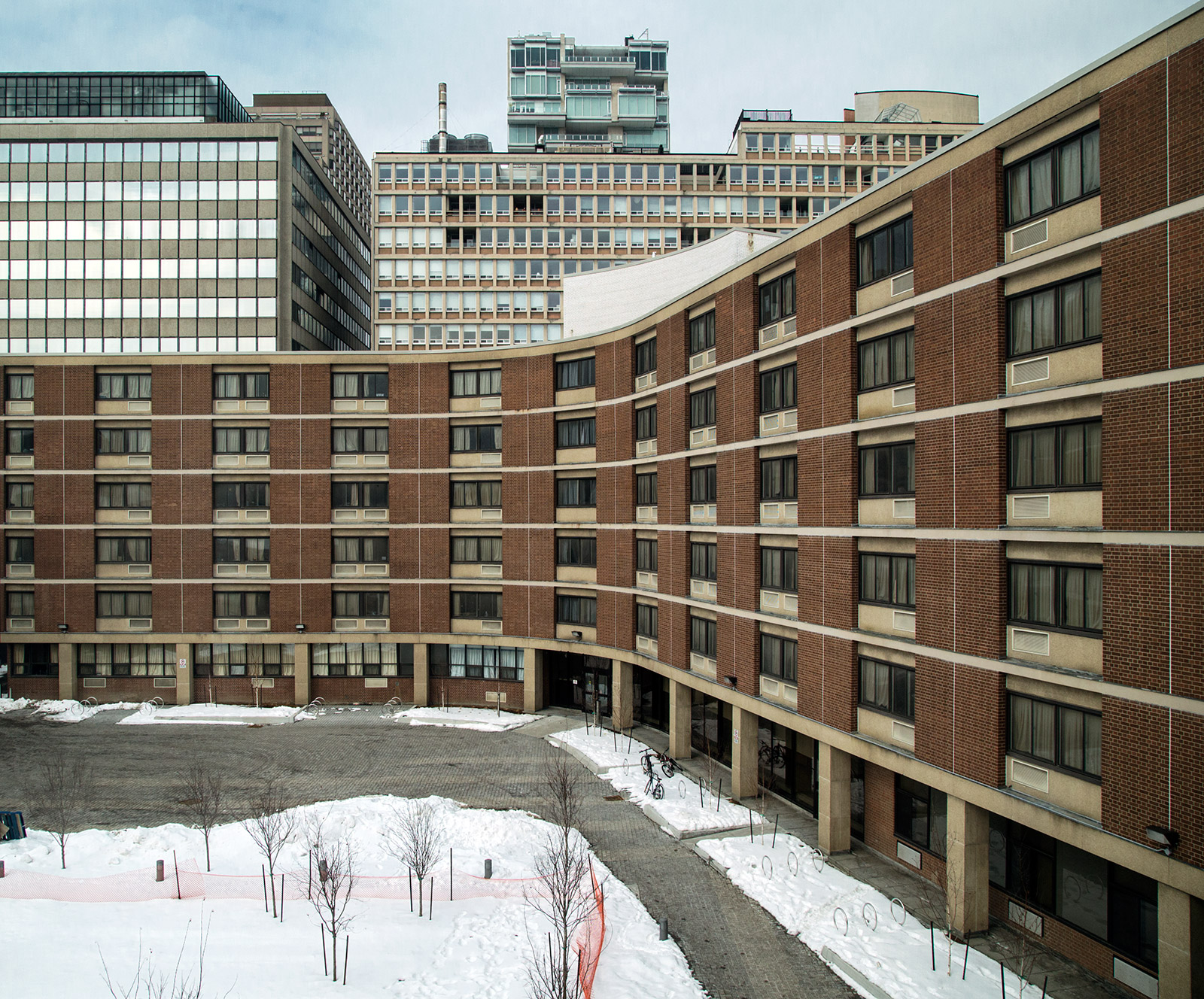 20141016. Margaret Addison Hall - U of T curved residence in Tor