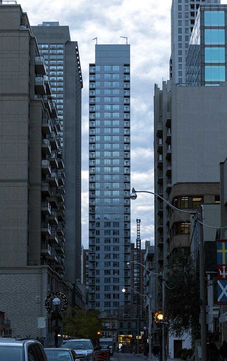 20141105.The tall, narrow and not-so-blue CrystalBlu condos (21