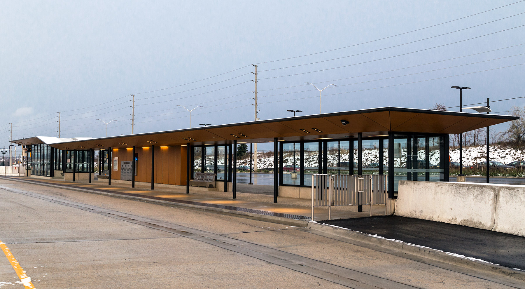 20141118. The brand new Mississauga Transitway (bus rapid transi