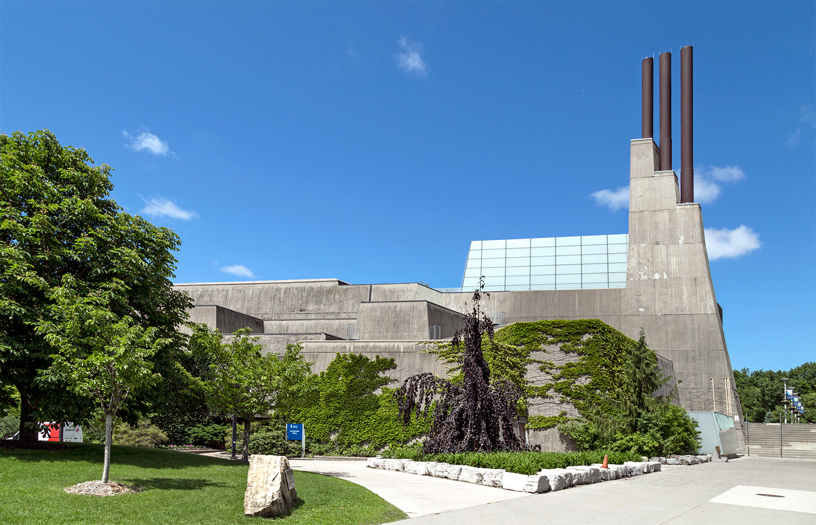 University of Toronto Scarborough | vikpahwa.com