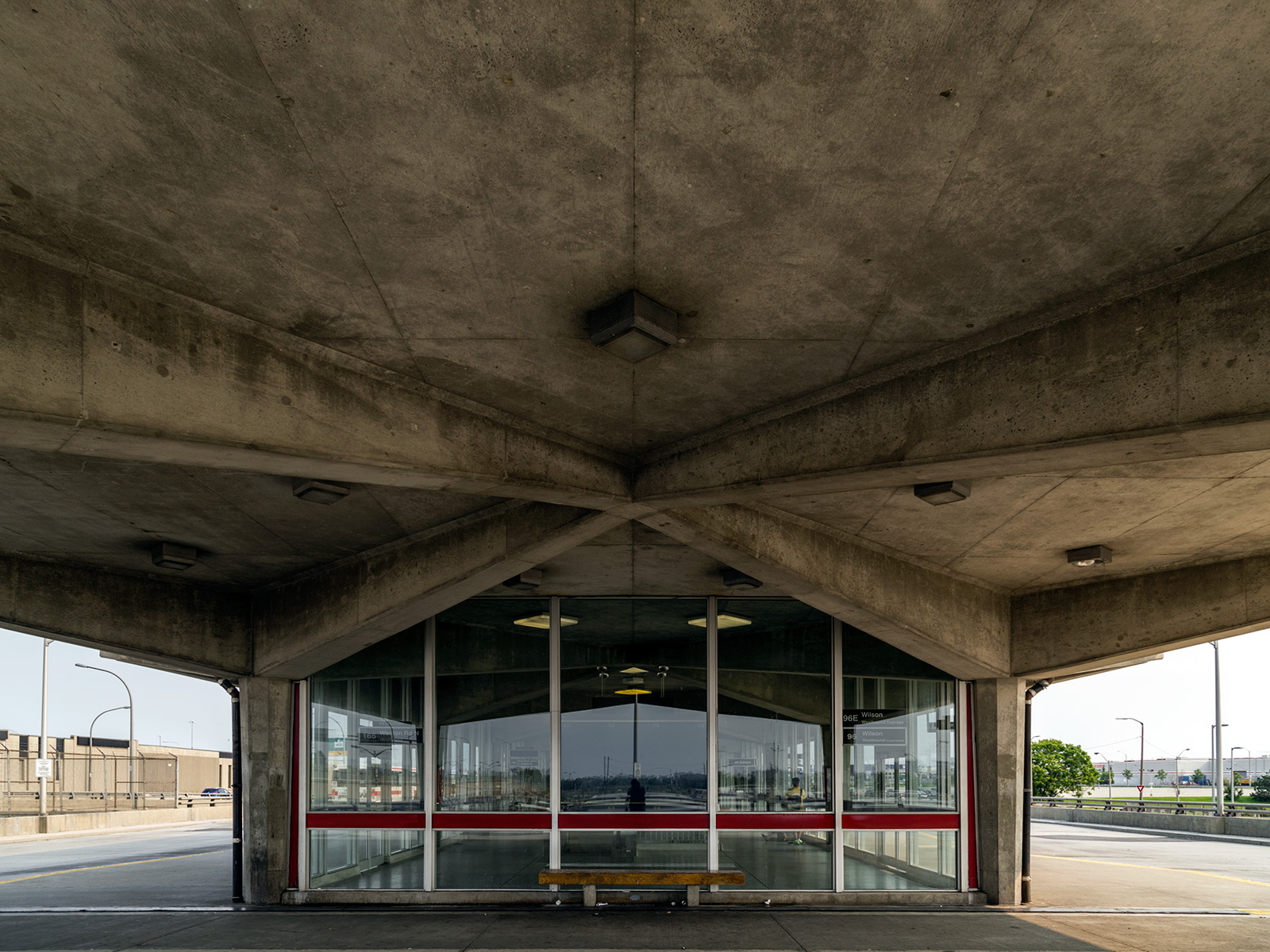 20150707. The wonderful concrete modernism of the Wilson Station