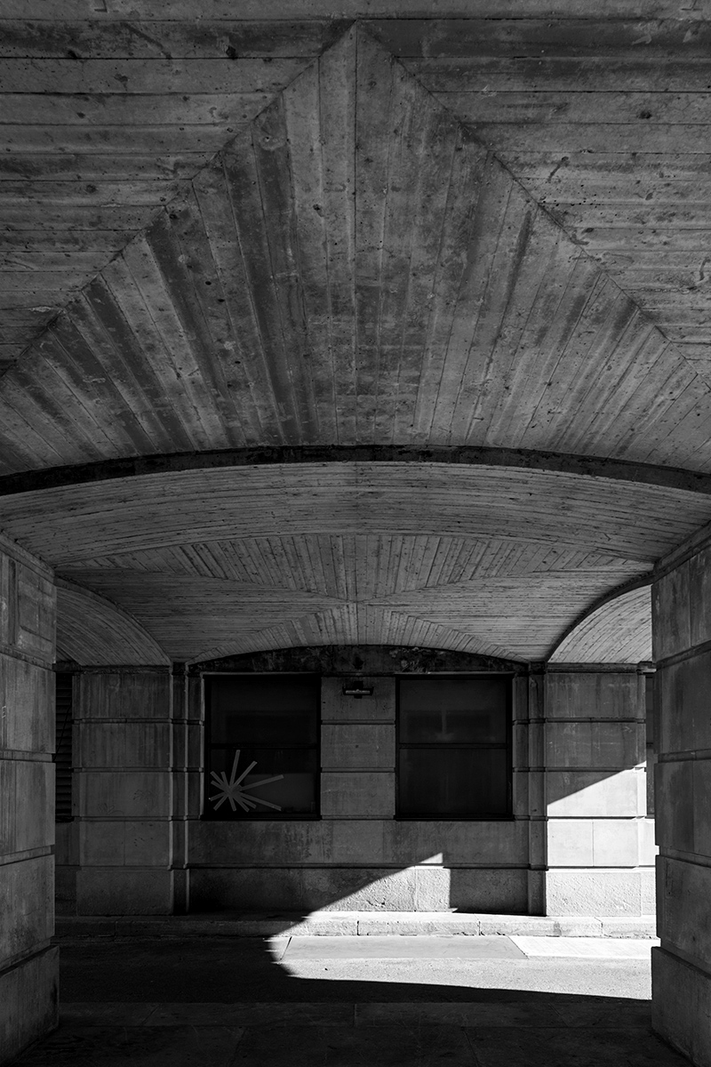 20150710. A cleverly crafted concrete ceiling. Minimal Aesthetic