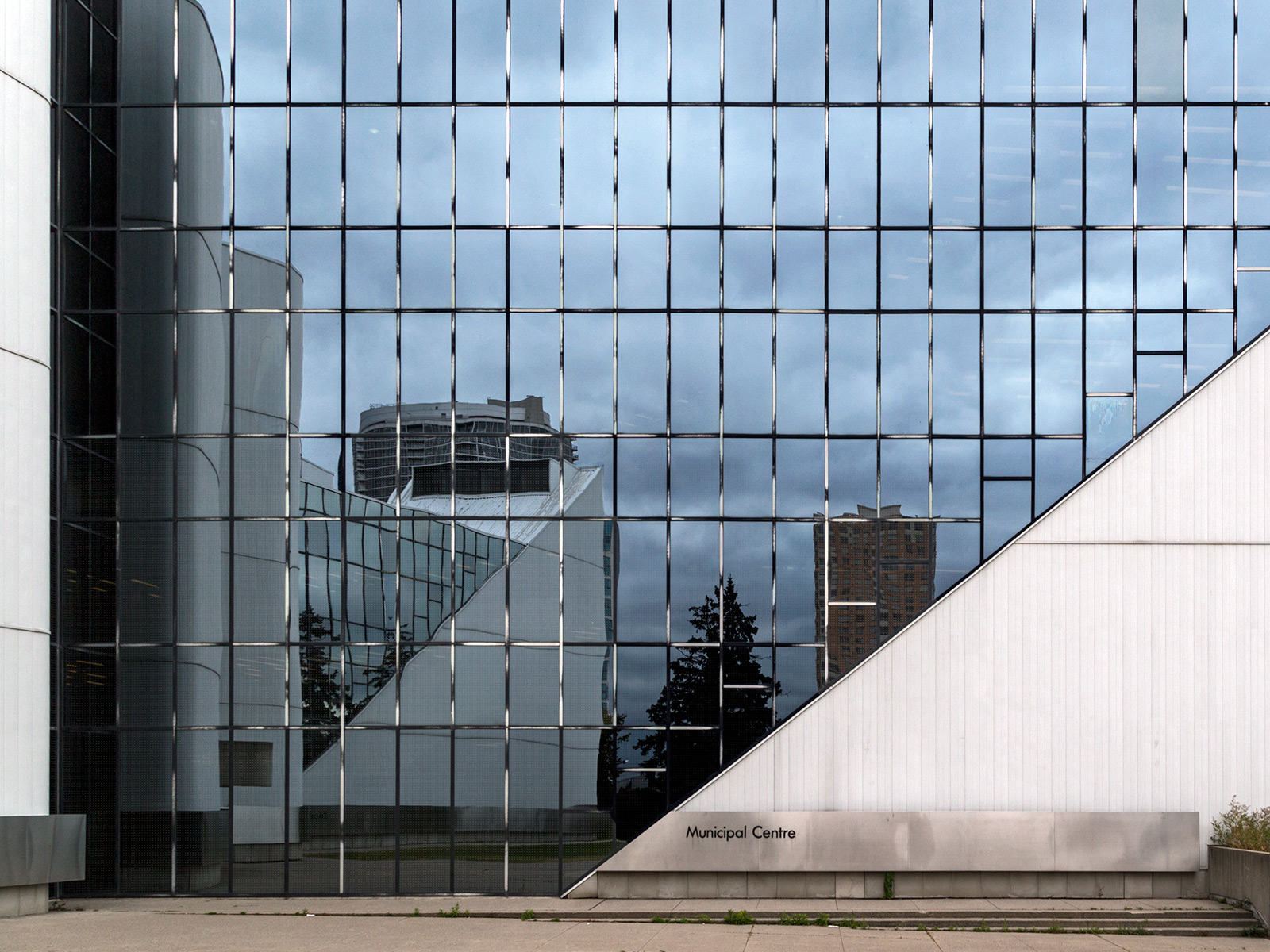 20151005. Scarborough Civic Centre self-reflection. Architect Ra