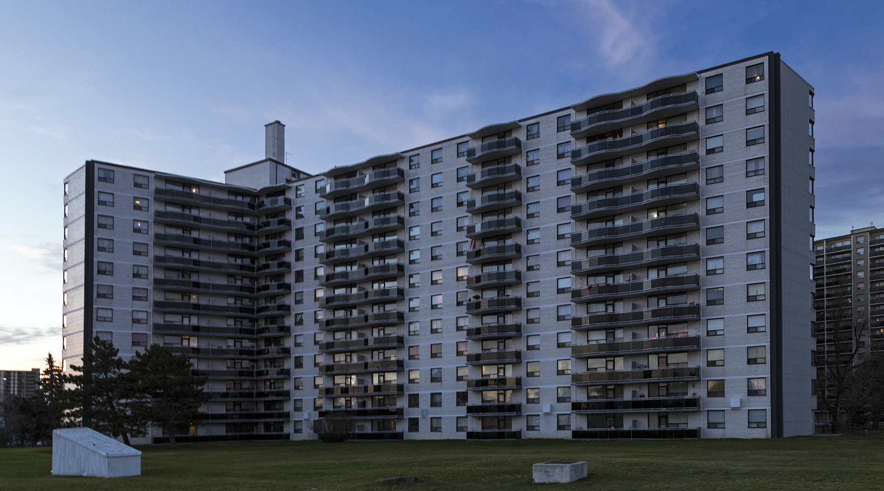 20151227. The modernist Bellamy Towers of Scarborough Village.