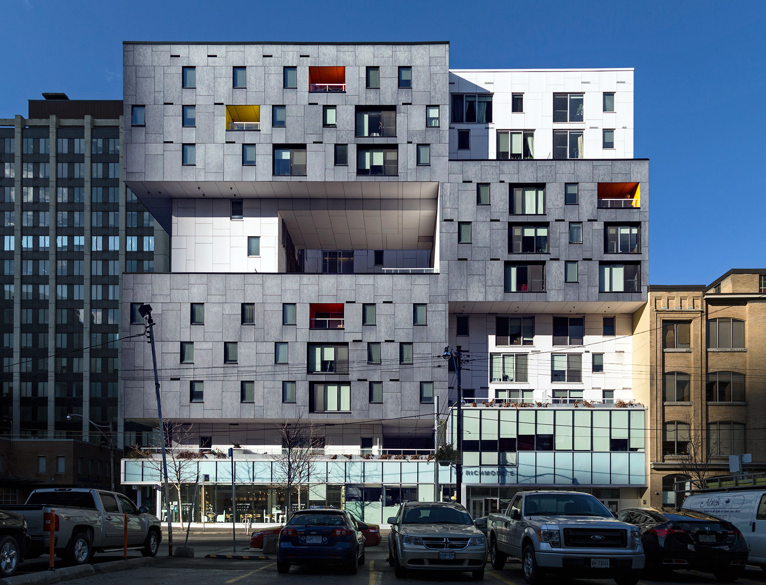 20160203. Toronto's impressive 60 Richmond housing cooperative
