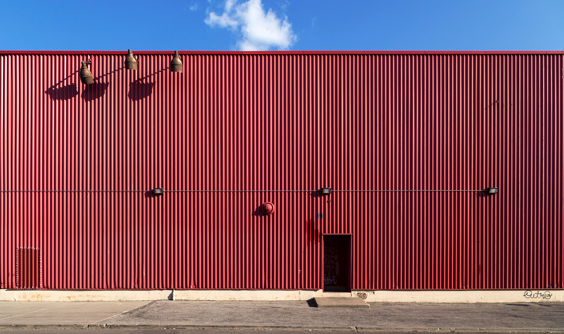20160527. Red Aluminum Siding at The Brick.
