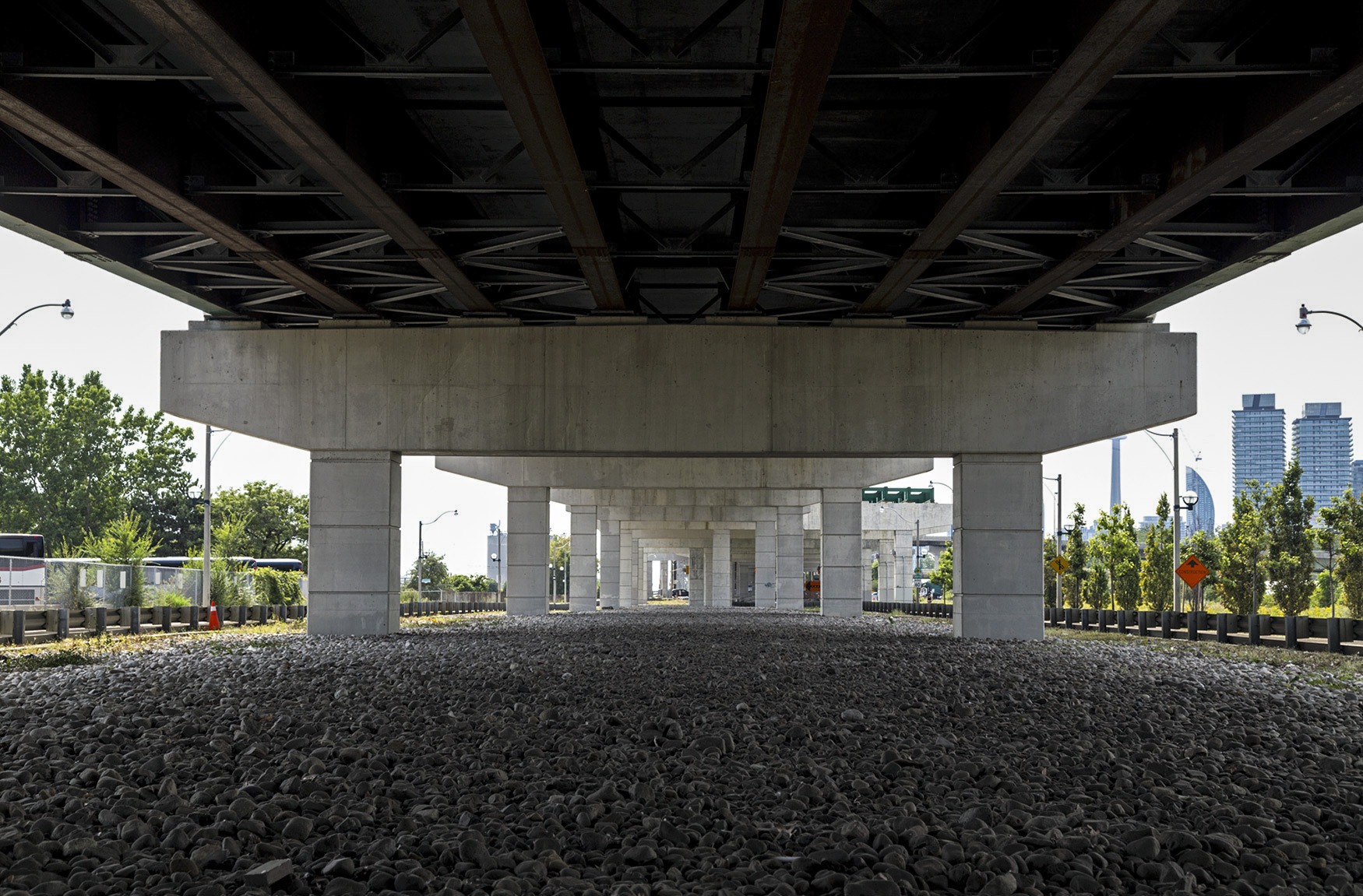 20160729. Under Toronto's pristine elevated Gardiner Expressway