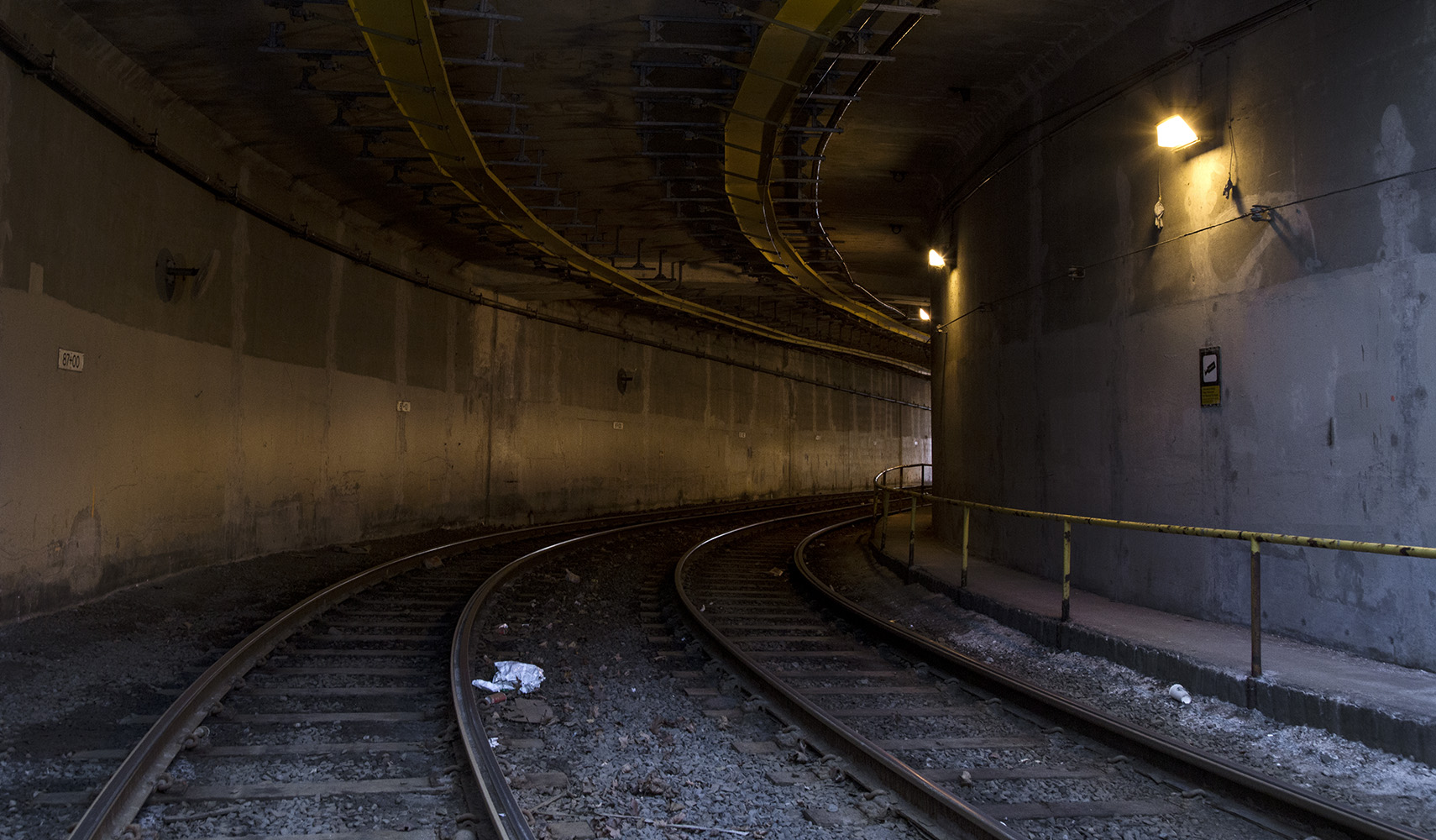 20170114. Daylight penetrates both ends of TTC's curved yellow-l