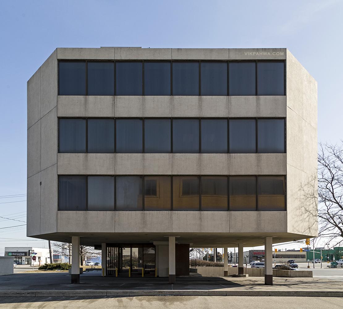 20170322. Etobicoke's Viceroy Building is a tiny, old modernist